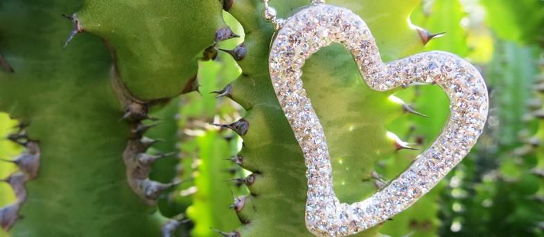 Jurnii Swarovski Crystals