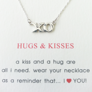 word necklace hugs & kisses 925 sterling silver